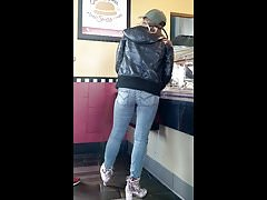 candid hot blonde ass in jeans