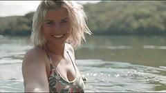 Beatrice Egli Bikini am planschen
