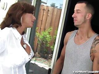 Madura Enojada Se Desquita Cogiendo - Veronica Avluv
