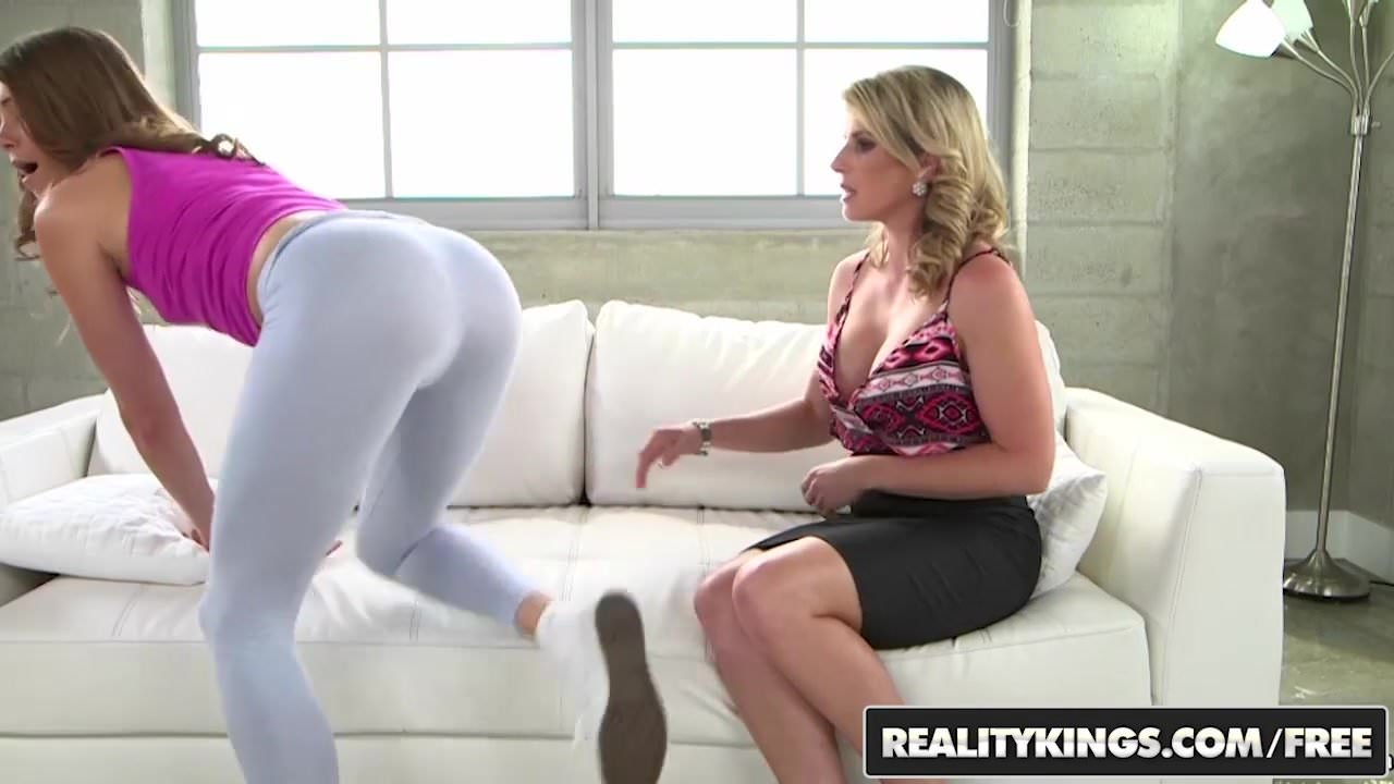shooting big loads on pussy