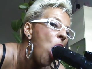 Preview 3 of German mature milf showing hot to suck a dick