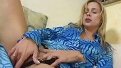 sexy latina milf masturbating