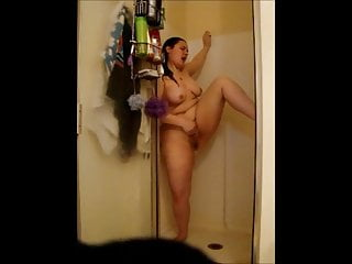 Cheating BBW wife Gina cums in shower - CassianoBR