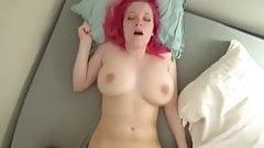 Suesse Maus laesst sich beim Sex filmen