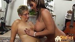 Alte Lesben, grosse Titten