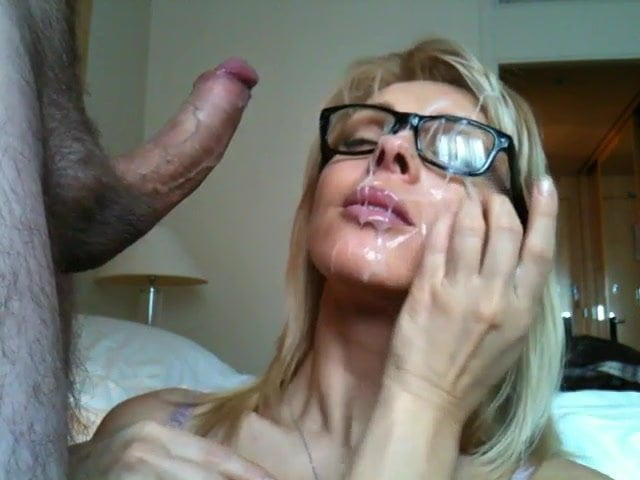 Amateur Blow Job. Who is she?