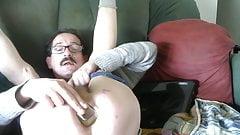 cedric insertion flacon rempli d'urine