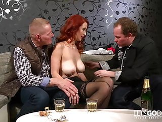 Download video bokep Opa fickt Rothaariges Fickmonster Mp4 terbaru