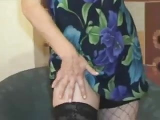 Lady Shows All 11