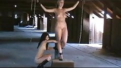 cruciefied women - Modell Monike 1