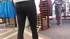 Sultry Lady in Yoga Pants Candid Ass