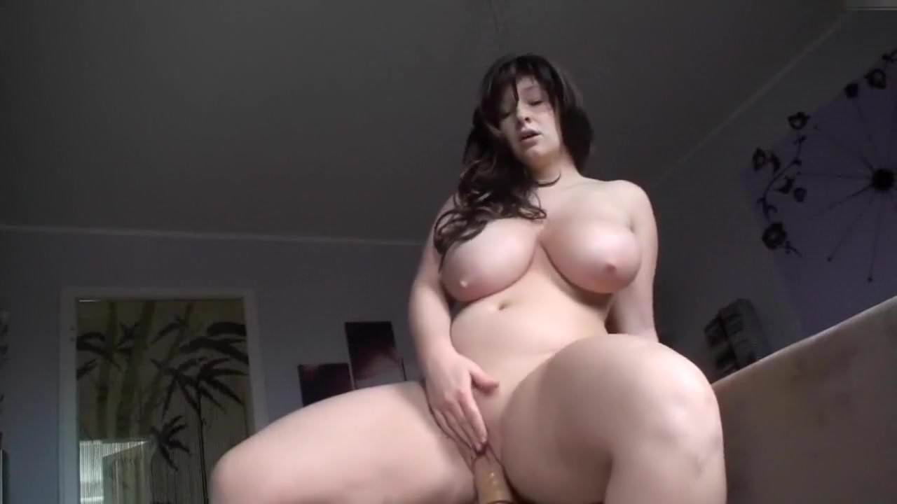 Huge Tits Brunette Milf Riding Dilodo on Webcam