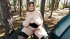 Dirty bbw gets pissed on