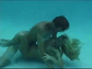 sex underwater 5 i