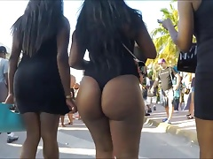 Hot & Sexy Black Booty Walking in the Street ( 2 )