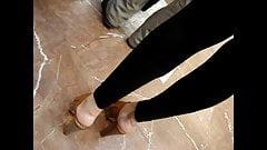 Высокие каблуки скрытой камерой # 32