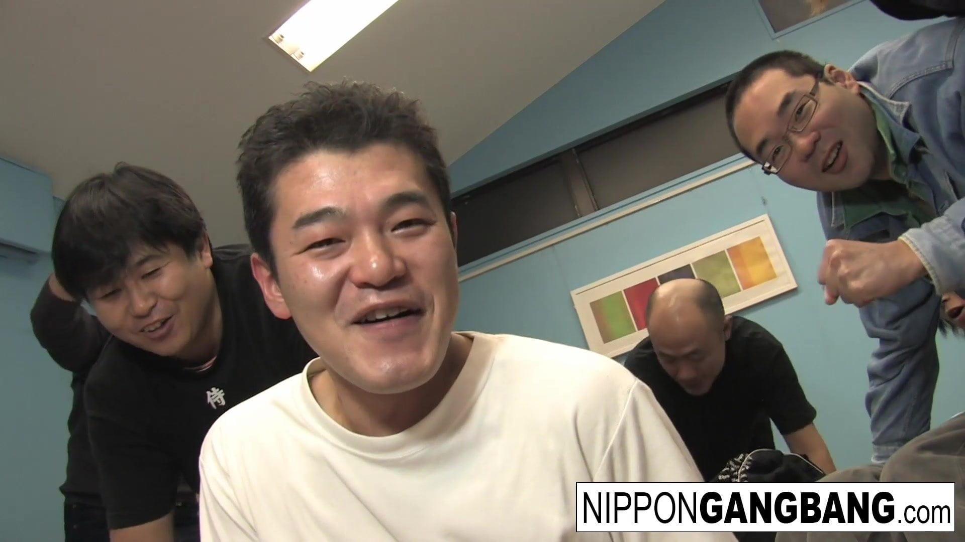 Harajuku hottie will get gangbanged
