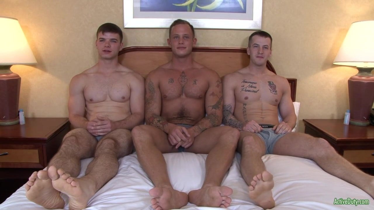 Three weird gay dudes banging in threesome 3