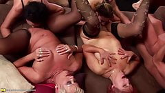 Big group sex with pee with moms and grannies