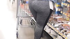 Round Phat Bubble Ass in tights Candid