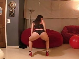 pawg booty clap and sexy dance