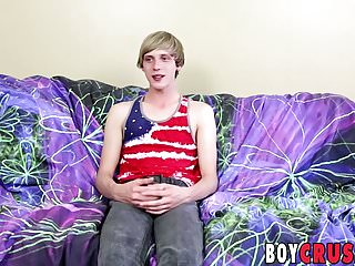 Hung bottom guy Kyle Rhodes gets naughty while being alone