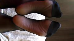 Deej Returns - Hosed Soles Sperming