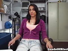 Amateur casting slut bounces booty on bbc