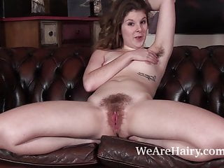 Jada models and strips naked on her couch