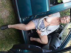 Meine alte Schlampe im Auto.
