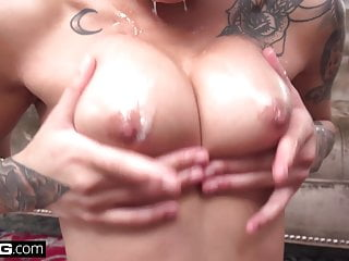 Honey Gold Squirts And Cums Over And Over On A Big Dick