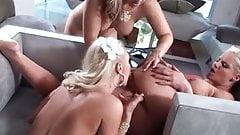 Triple-Blondie Lick Fest