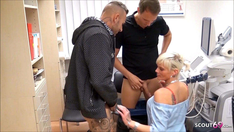 sperma-bank-porno-onlayn-trahnula-v-sapogah-i-yubke-onlayn