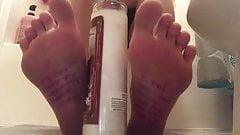 Jenna's foot tease