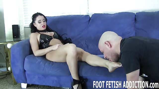 Preview 1 of I have the feet of a goddess and they need to be pampered