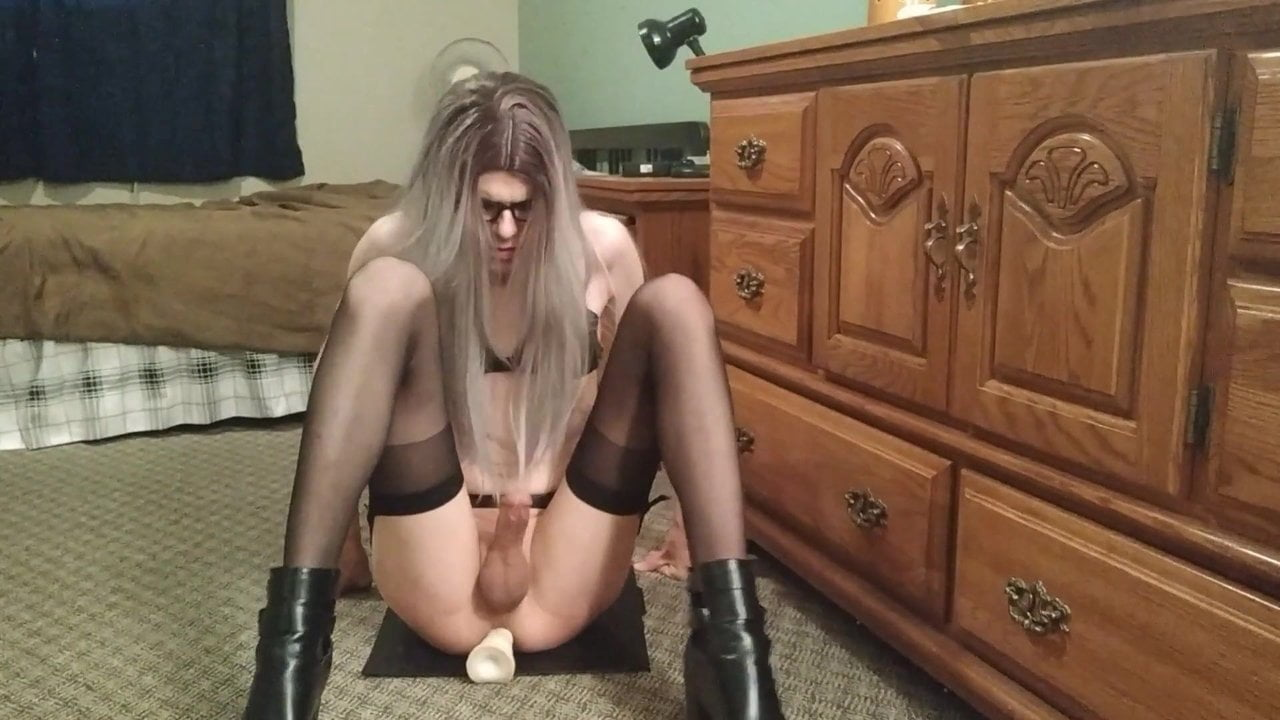 Sissy Leah Riding A Dildo