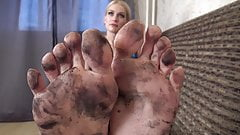 Beautiful dirty feet cleaning's Thumb