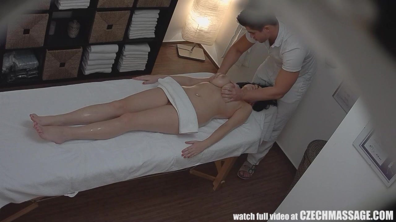 Huge natural tits czech massage full vedio