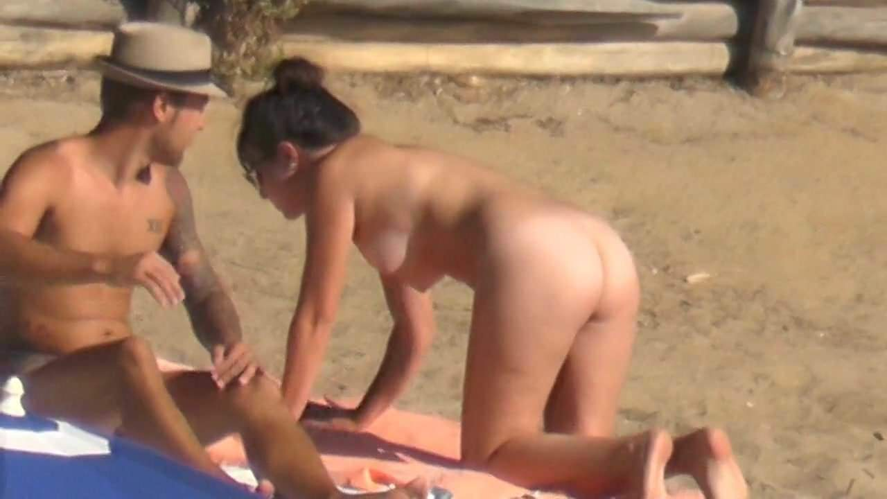 Naked Undressing Milf Strip-Tease On The Beach Hd Porn B6-8022