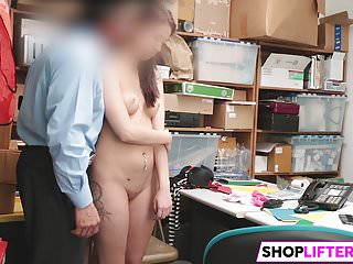 Shoplifter Naiomi Mae Gets Hammered By The LP Officer