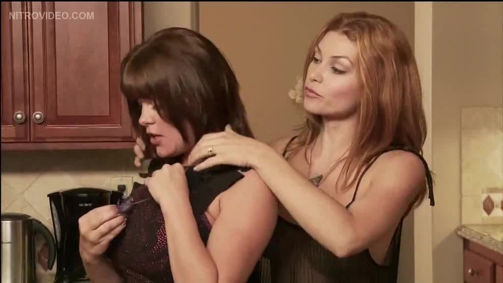 Free download & watch vandeven housewives from another world         porn movies