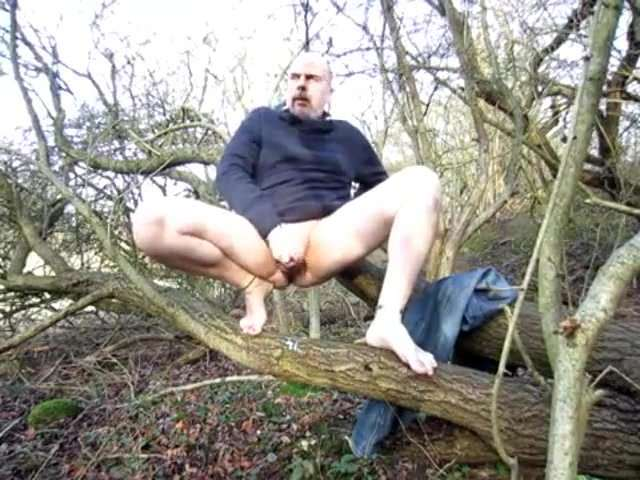 Mature forest wank