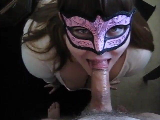 девушки идет сан дракуле порно в маске поэтому только через