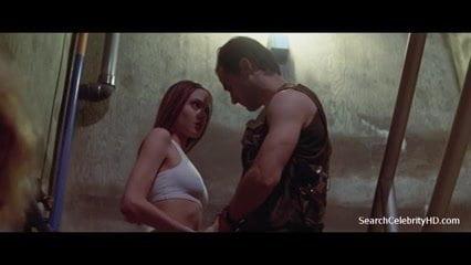 angelina-jolie-cyborg-sexszene