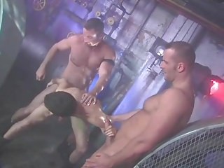 Threesome with daddies