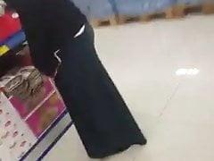 Turkish Hijab ass in market candid