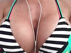 Sexy Bikini Chick