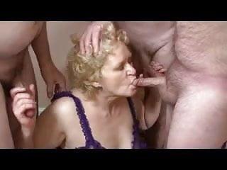 Download video bokep Granny plus three Mp4 terbaru