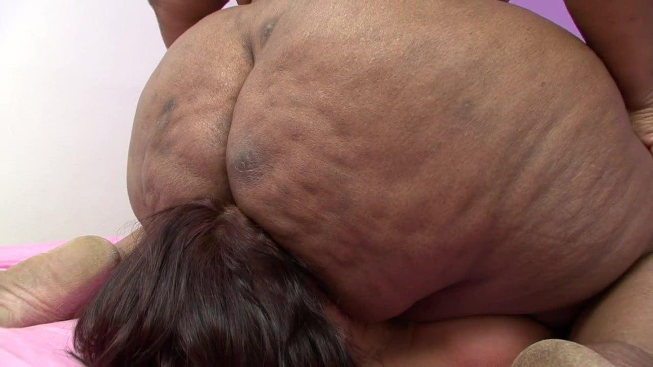 Bigger bottoms facesitting