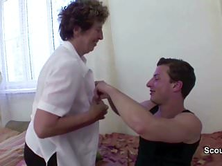 Young Man Seduce His old Grandma to Fuck her Anal